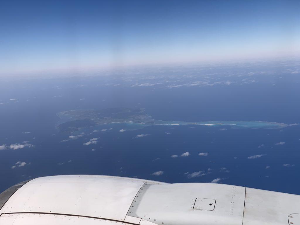 飛行機の外に久米島