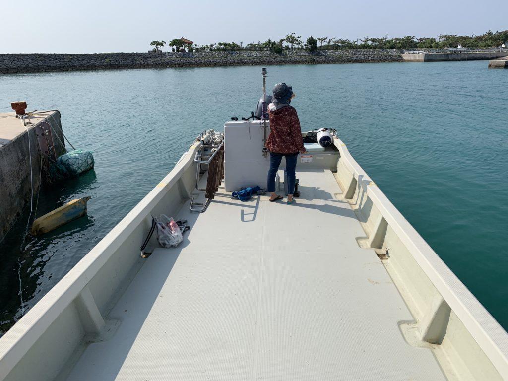 ビミニトップ取付前の船
